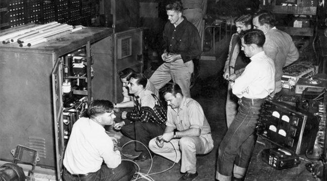 AAC Le numérique entre à l'école : l'enseignement de l'informatique des années 1960 à nos jours